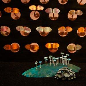 Objekt i silver och koppar av Pernilla Sylwan