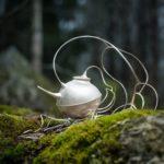 Skogen, kanna i silver av Petronella Eriksson