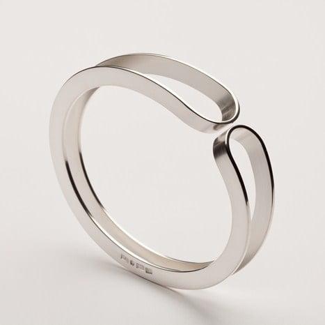 Armband, silver. Åsa Hallqvist, fotograf Christian Habetzeder